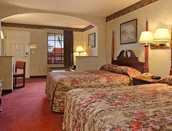 Super 8 Murfreesboro: Two Double Bed Room