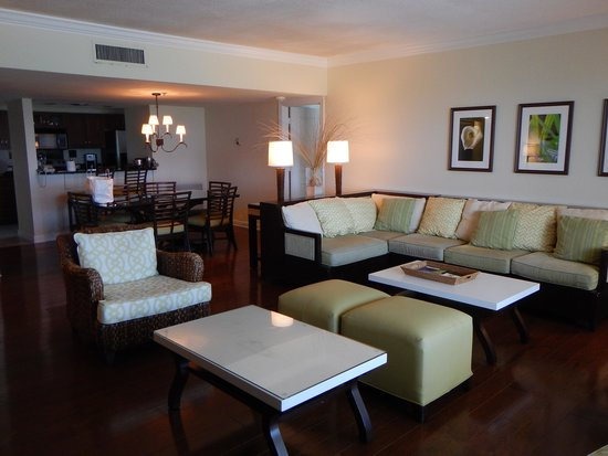 Resort at Longboat Key Club : 2 bedroom suite.