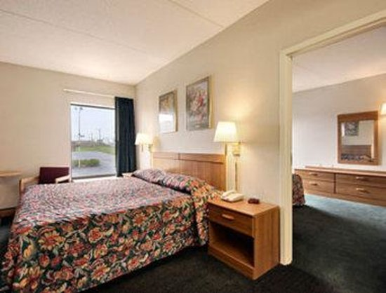 Super 8 Chambersburg/Scotland Area: Suite