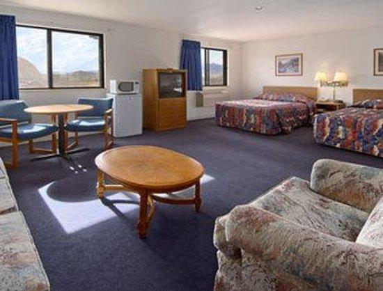 Super 8 Sparks/Reno Area: Suite