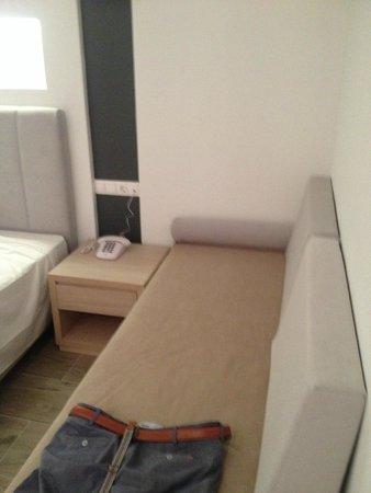 Alexia Premier City Hotel : additional sofa