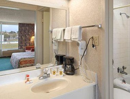 Motel Super 7 : Bathroom