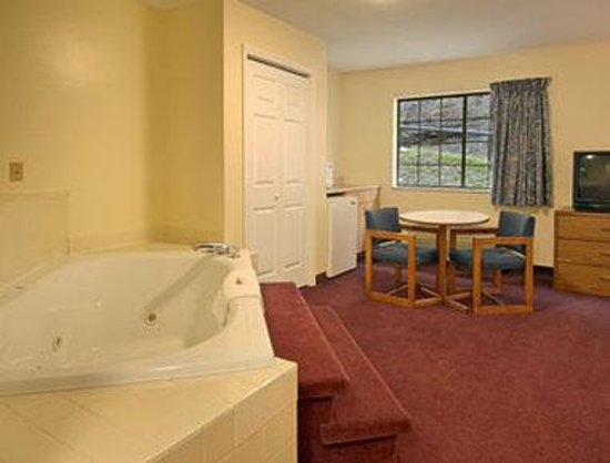 Campton Hotels In Kentucky With Jacuzzi In Room