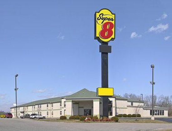 Welcome to Super 8 Dickson