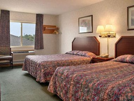 Super 8 Chillicothe: Standard Two Double Bed Room