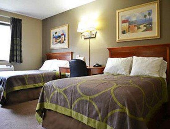 Super 8 Tilton/Lake Winnipesaukee : Guest Room