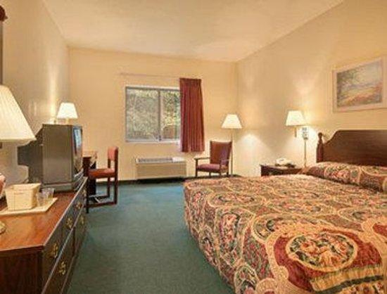Super 8 Valparaiso: Standard King Bed Room