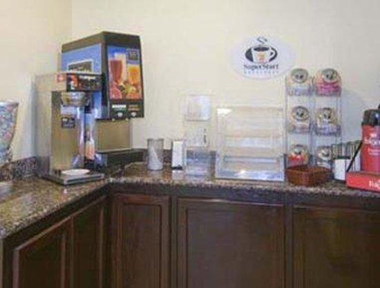 Super 8 Fresno Convention Centre Area: Breakfast Area