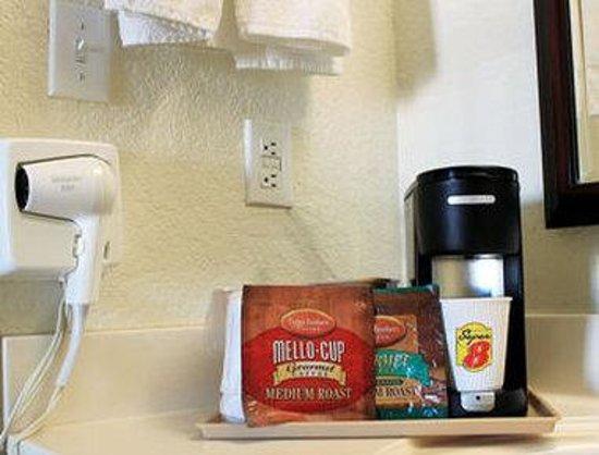 Super 8 New Braunfels TX : In Room Coffee