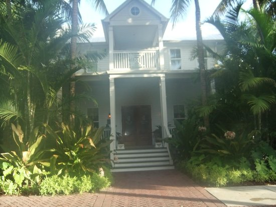 Parrot Key Hotel and Resort: Front entrance to room