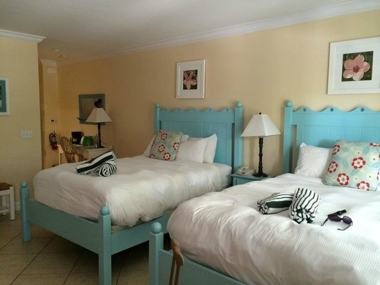 Parrot Key Hotel and Resort: 2 queen beds