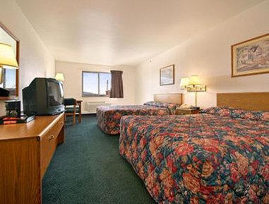 Super 8 Gallipolis PT Pleasant Area: Standard Two Double Bed Room