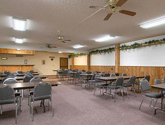 Super 8 Sturgis: Meeting Room