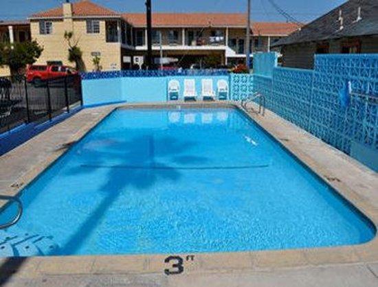 Super 8 Santa Cruz/Boardwalk West: Pool