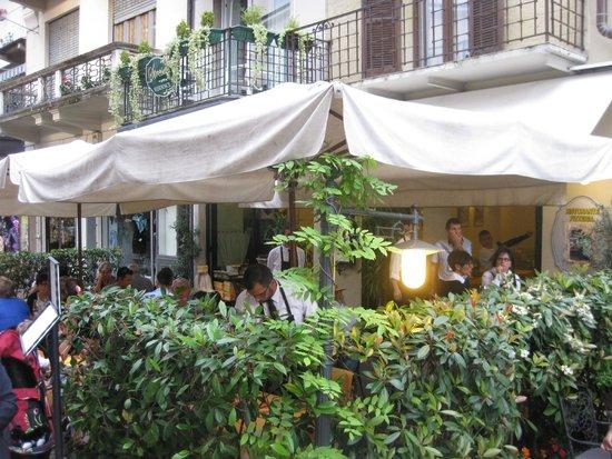 Ristorante Pizzeria Mamma Mia : Front terrace