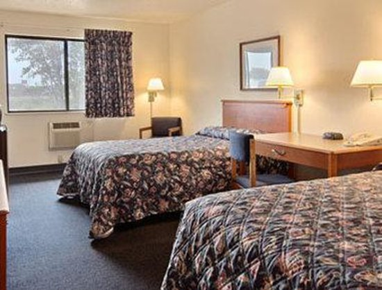 Super 8 Franklin/Middletown Area : Standard Two Double Bed Room