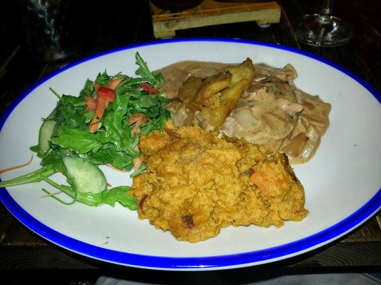 Turtle Bay: Mo'Bay Chicken and sweet potato mash
