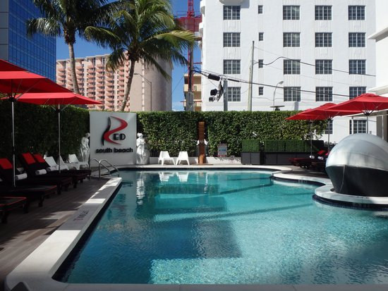 Red South Beach Hotel: Pool