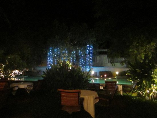 Old Harbour Hotel : The pool lit up at night