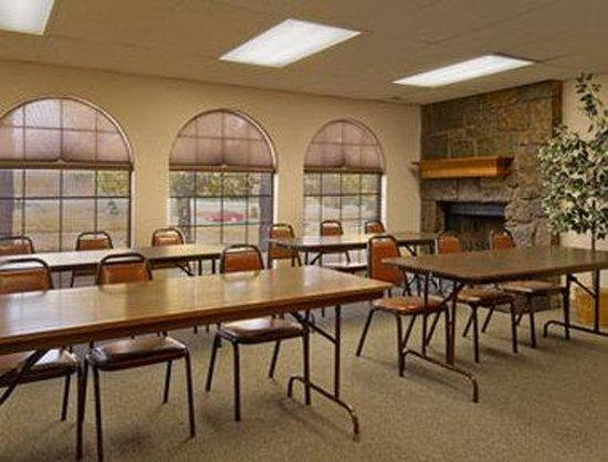 Super 8 Sapulpa/Tulsa Area: Meeting Room