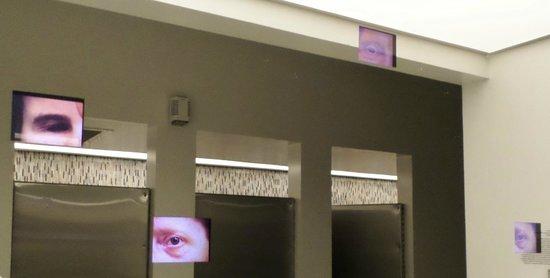 21c Museum Hotel Louisville: toilet