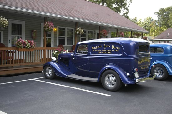 Country Cottages and Motel: ADK National Car Show