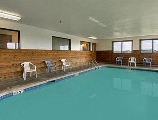 Super 8 Bourbonnais/Kankakee Area: Pool