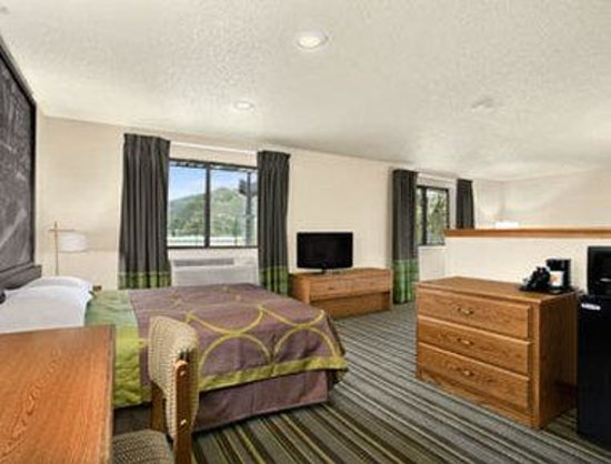 Super 8 Dunbar/Charleston Area: Suite