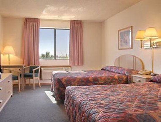Super 8 Yuma: Standard King Bed Room