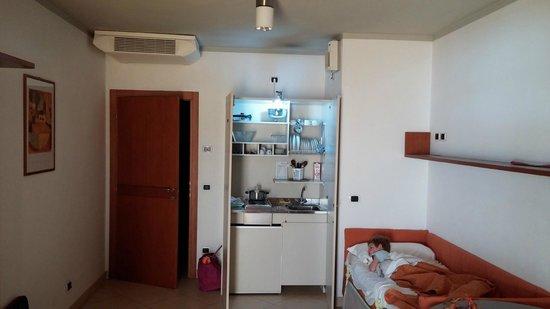 Hotel Ascot: Cucinetta del monolocale