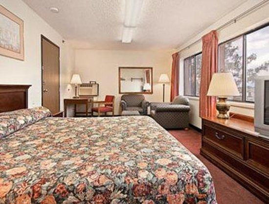 Super 8 Longmont/Twin Peaks: Suite