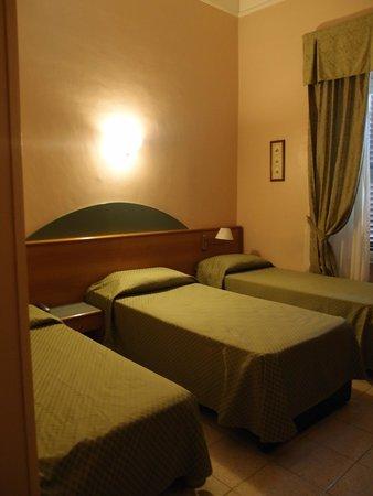 Hotel Contilia: Pyysimme kolme erillistä sänkyä, sellaiset saimme!