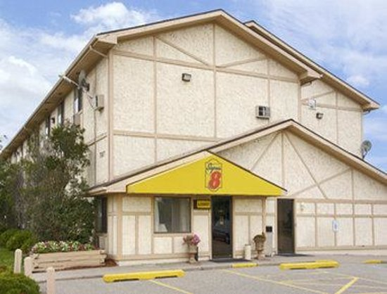 Super 8 Wyoming/Grand Rapids Area: Welcome to Super 8 Wyoming