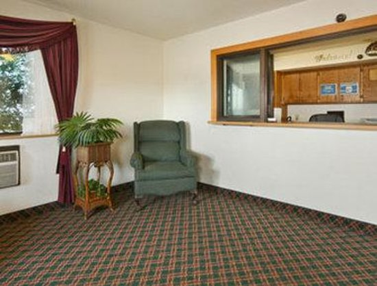 Super 8 Wyoming/Grand Rapids Area: Lobby