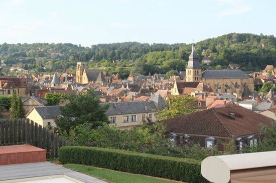 La Maison du Moulin a Vent : view of Sarlat from B&B grounds