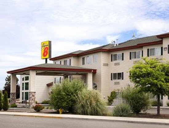 Super 8 Central PT Medford: Welcome To The Super 8 Medford.