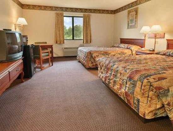 Super 8 Sawyer MI: Standard Two Double Bed Room