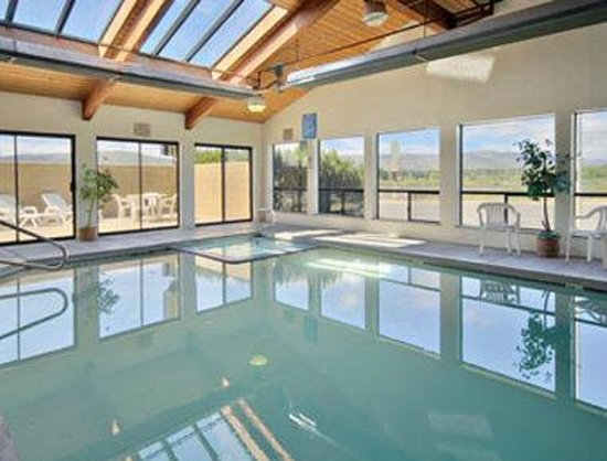 Super 8 Ellensburg: Indoor PoolWhrilpool