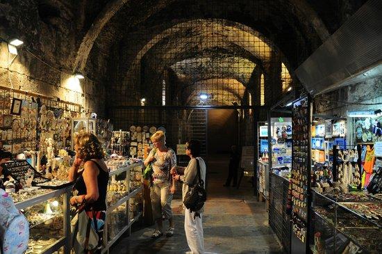 Palais de Dioclétien : Tiendas