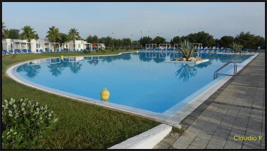 Villaggio Club Torre Rinalda Residenza: piscina grande