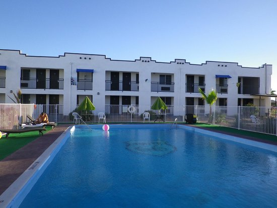 Ramada Kingman: l'hôtel