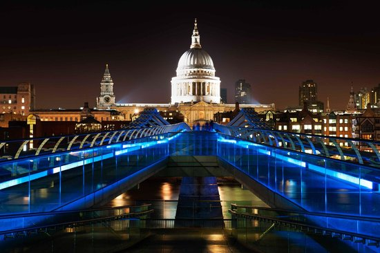 Hairy Goat Photography Tours: Millennium Bridge with St. Paul's Cathedral