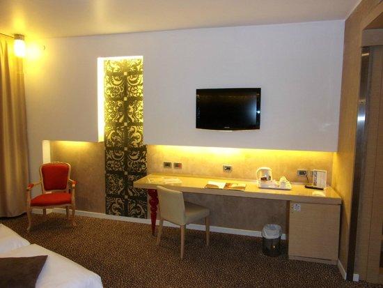 Antony Palace Hotel : kamer