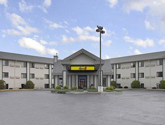 Welcome to the Super 8 Wisconsin Dells