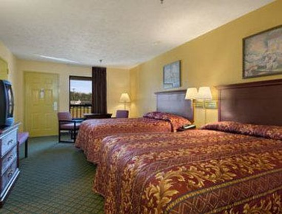 Rodeway Inn & Suites: Standard 2 Double Bed Room