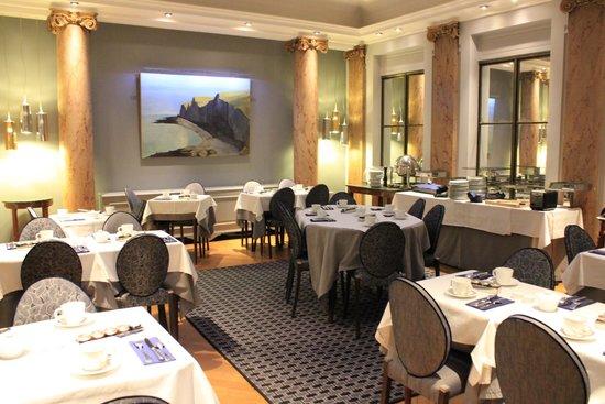 Hotel Brighton - Esprit de France : レストラン