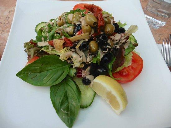 La Vecchia Scuola: olive salad - we shared