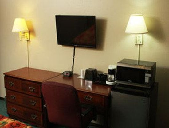 Super 8 Michigan City: Guest Room