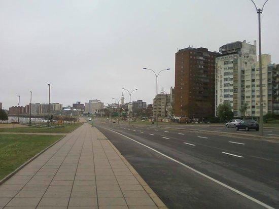 Rambla de Montevideo: Praça de musculação na Rambla