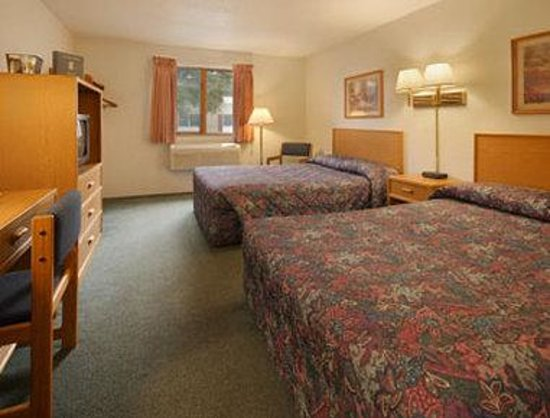 Asteria Inn & Suites: Standard Two Double Bed Room